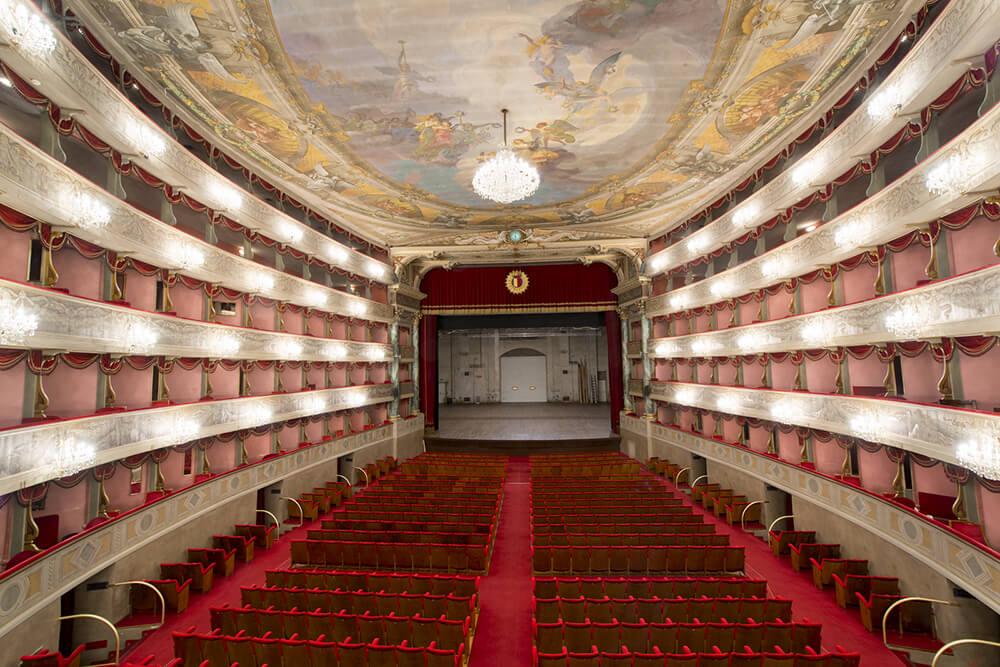 Donizetti Tiyatrosu
